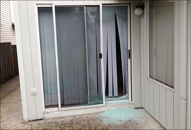 Langs-Glass-Rmd-Ltd.-Broken-Sliding-Glass-Window-Richmond-BC-Local-Deal-Discounts